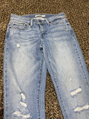 LEVIS WOMEN JEANS SIZE 4 for Sale in Oxon Hill, MD