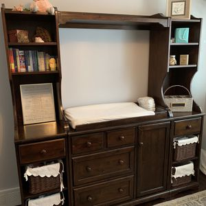 Changing Table Dresser / Baby Nursery Bedroom for Sale in Barrington, IL