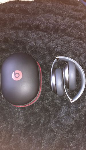 Beats studio wireless headphones for Sale in Bel Air, MD