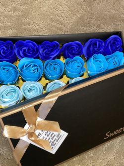 18 Flower Scented Soap Roses In A Gift Box for Sale in San Diego,  CA