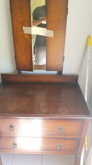 Antique vanity dresser for Sale in Aransas Pass, TX