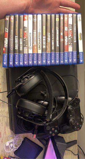 PlayStation 4 bundle for Sale in Northbrook, IL