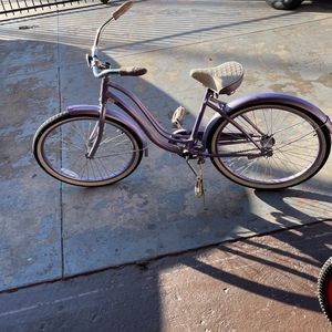 Bicycle beach cruiser like new for Sale in Los Angeles, CA