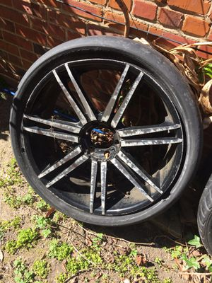 24 in chrome and black rims for Sale in Washington, DC