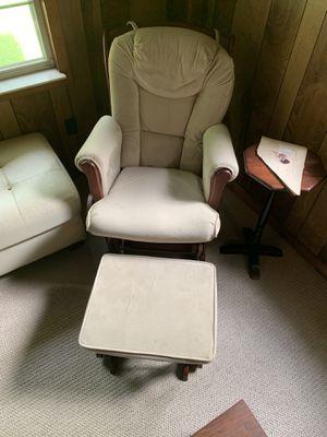 Nursing chair / rocking chair for sale for Sale in Atlanta, GA