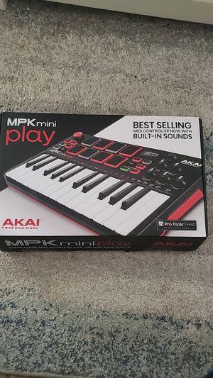 MPK mini play akai professional for Sale in Miami, FL