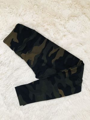 Victoria's Secret PINK military camouflage green leggings yoga pants for Sale in Cedar Park, TX