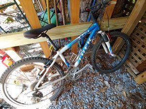 Kids Trek 21 speed 240 MT Bike for Sale in Bethesda, MD