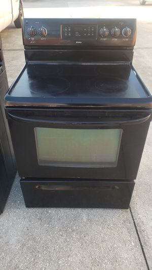 Black Kenmore range working great delivery available for Sale in Kissimmee, FL