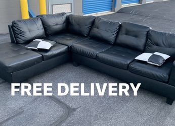 2pc Black Leather Sectional ⚠️FREE DELIVERY⚠️ for Sale in Baltimore,  MD