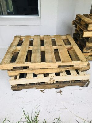Used pallets 2 for 25$ for Sale in Kissimmee, FL