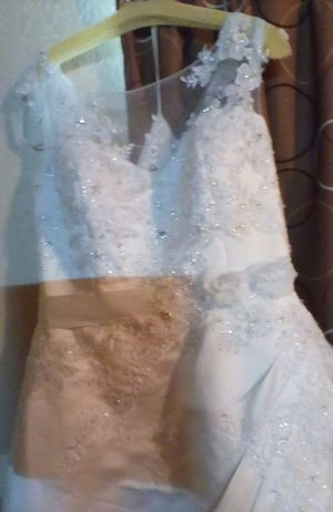 Wedding dress size 18 for Sale in Raleigh, NC