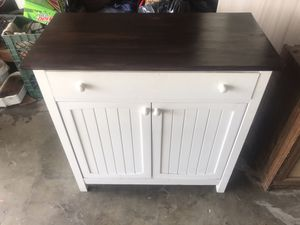 Kitchen canine: table: storage for Sale in Fresno, CA