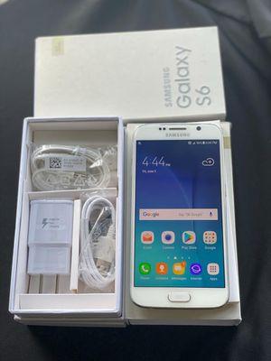 Samsung Galaxy S6 unlock 32GB white or black for Sale in Glenview, IL