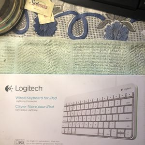 NEW LOGITECH WIRED KEYBOARD FOR IPAD WITH LIGHTNING CONNECTOR for Sale in Los Angeles, CA