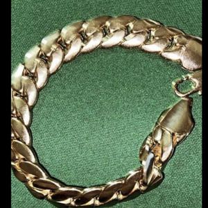 $100 14k Gold Plated Bracelet 8.5 Inches for Sale in Bakersfield, CA