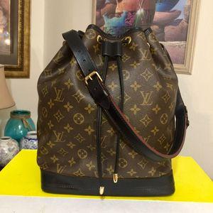 Louis Vuitton Monogram Noe GM Shoulder Bag 💼 Black for Sale in Gilbert, AZ