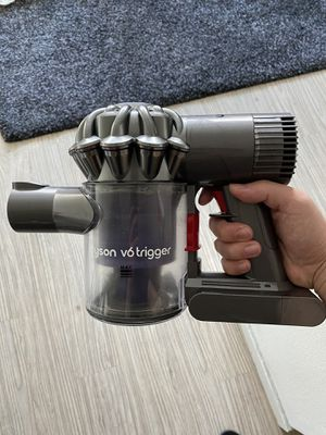 Dyson V6 vacuum for Sale in Seattle, WA