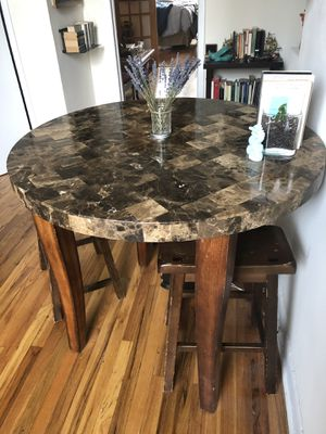 Beautiful Marble and wooden round table w/3 stools for Sale for sale  Brooklyn, NY