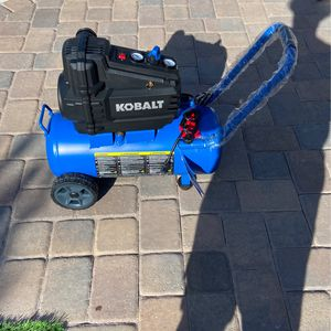 Kobalt 8gal, 150 Max Psi Oil Free Air Compressor for Sale in North Las Vegas, NV