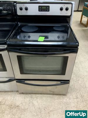 🚀🚀🚀Stainless Steel Electric Stove Oven Frigidaire Delivery Available #920🚀🚀🚀 for Sale in Deltona, FL