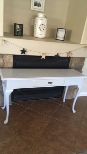 Entryway Table / Console Table for Sale in Queen Creek, AZ