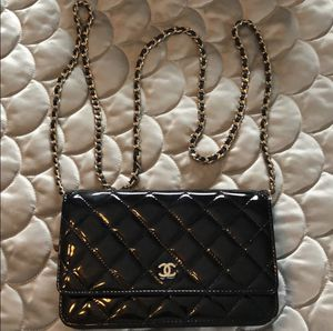Chanel Mini Patent Leather Cross Body bag for Sale in Commack, NY