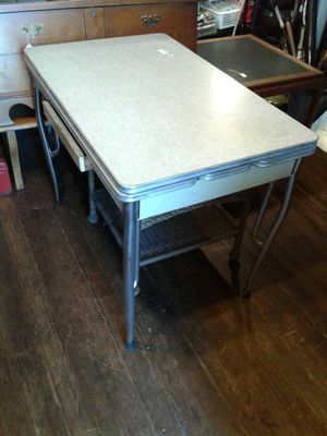 Vintage kitchen table for Sale in Kirkersville, OH