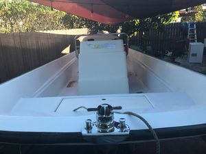 Boston whaler 1971 nauset 17 ft 2006 90 hp Honda 4 stroke for Sale in Miami, FL