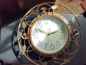 Antique clock and picture frame for Sale in Port Richey, FL