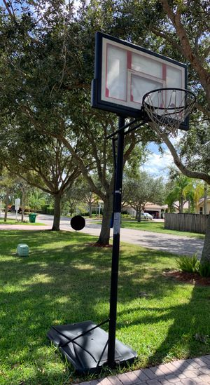 basketball hoop with adjustable height for Sale in Fort Lauderdale, FL