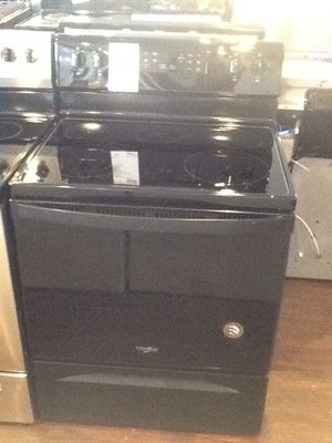 New open box whirlpool electric range WFE505W0HB for Sale in Downey, CA