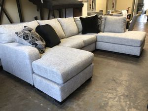 🔥New! Comfy sofa chaise sectional for Sale in San Diego, CA