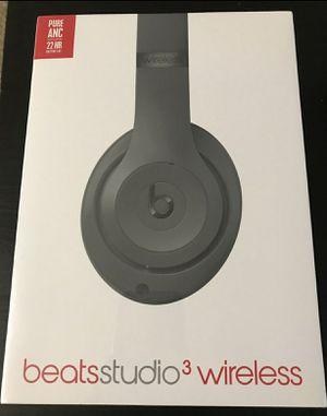 Beats by dre studio3 wireless headphone Rare Gray for Sale in Riverside, CA