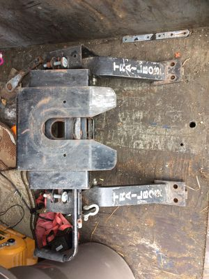 5th wheel hitch for Sale in Weston, MA