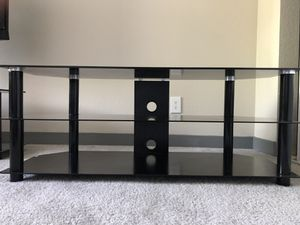 TV table (practically new) for Sale in Henderson, NV