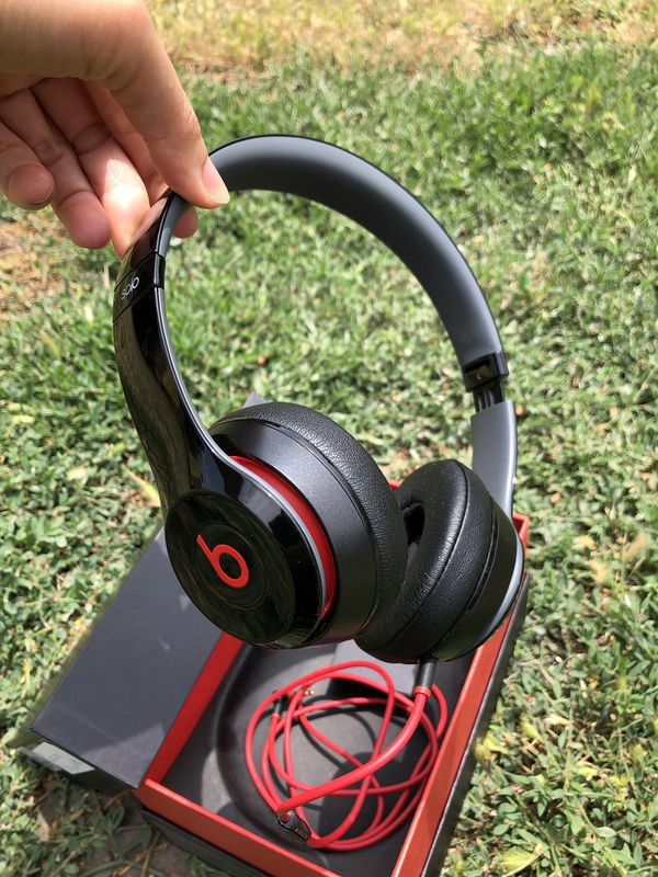 Beats Solo 2 Wired headphone on-ear working powerful