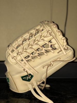 Baseball / Softball Glove for Sale in Las Vegas, NV
