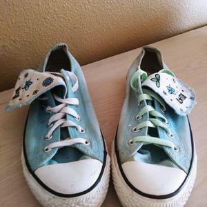 Floral Converse 90s Chucks. Hippie Grunge Size 10 for Sale in Oldsmar, FL