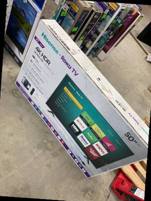 Hisense roku 50 inch tv 😎😎😎😎 ZO for Sale in DeSoto, TX