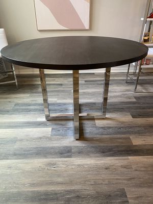 Brand new wood high table and 5! Upholstered barstools for Sale in Windermere, FL