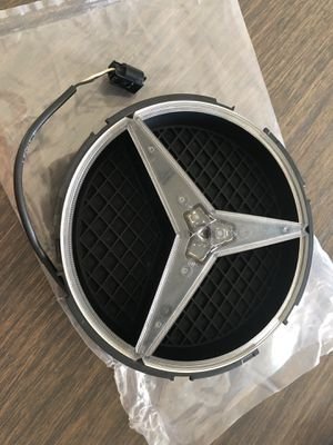 Mercedes Benz Original Star Illuminated LED Grille Emblem for Sale in Miami, FL