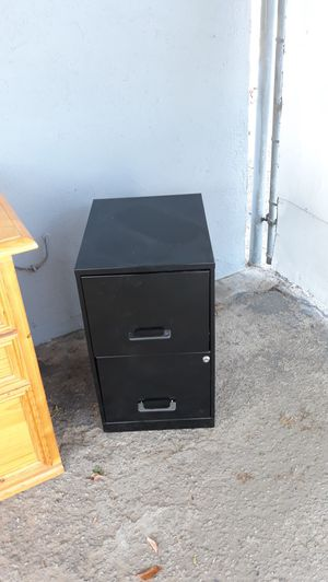 Metal 2 Drawer File Cabinet. for Sale in Bloomington, CA