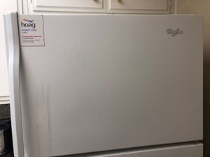 Whirlpool 8 months old fridge for Sale in Santa Ana, CA
