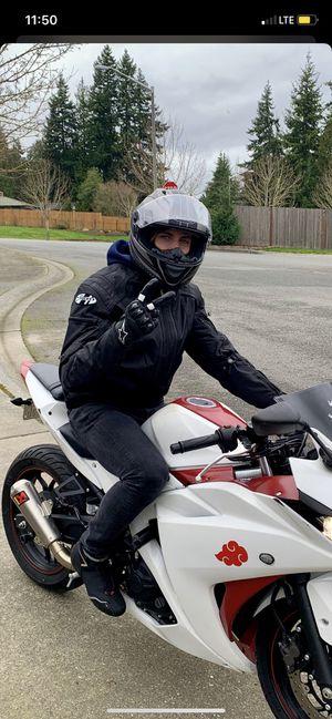 Sedici Motorcycle helmet for Sale in Mount Vernon, WA