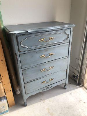 Antique dresser for Sale in Spanish Fork, UT
