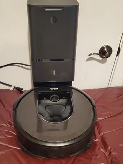 iRobot Roomba i7+ (7550) Robot Vacuum with Automatic Dirt Disposal for Sale in Portland,  OR