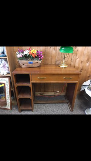 Desk for Sale in Big Rapids Township, MI
