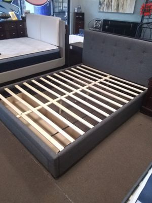 Grey Queen size platform bed frame with storage drawer for Sale in Glendale, AZ