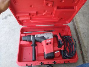 """Milwauke 1 9/16"""" rotatory hammer drill for Sale in Calexico, CA"""